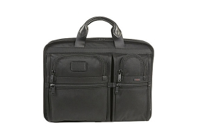 Tumi - 26514 - Business Cases