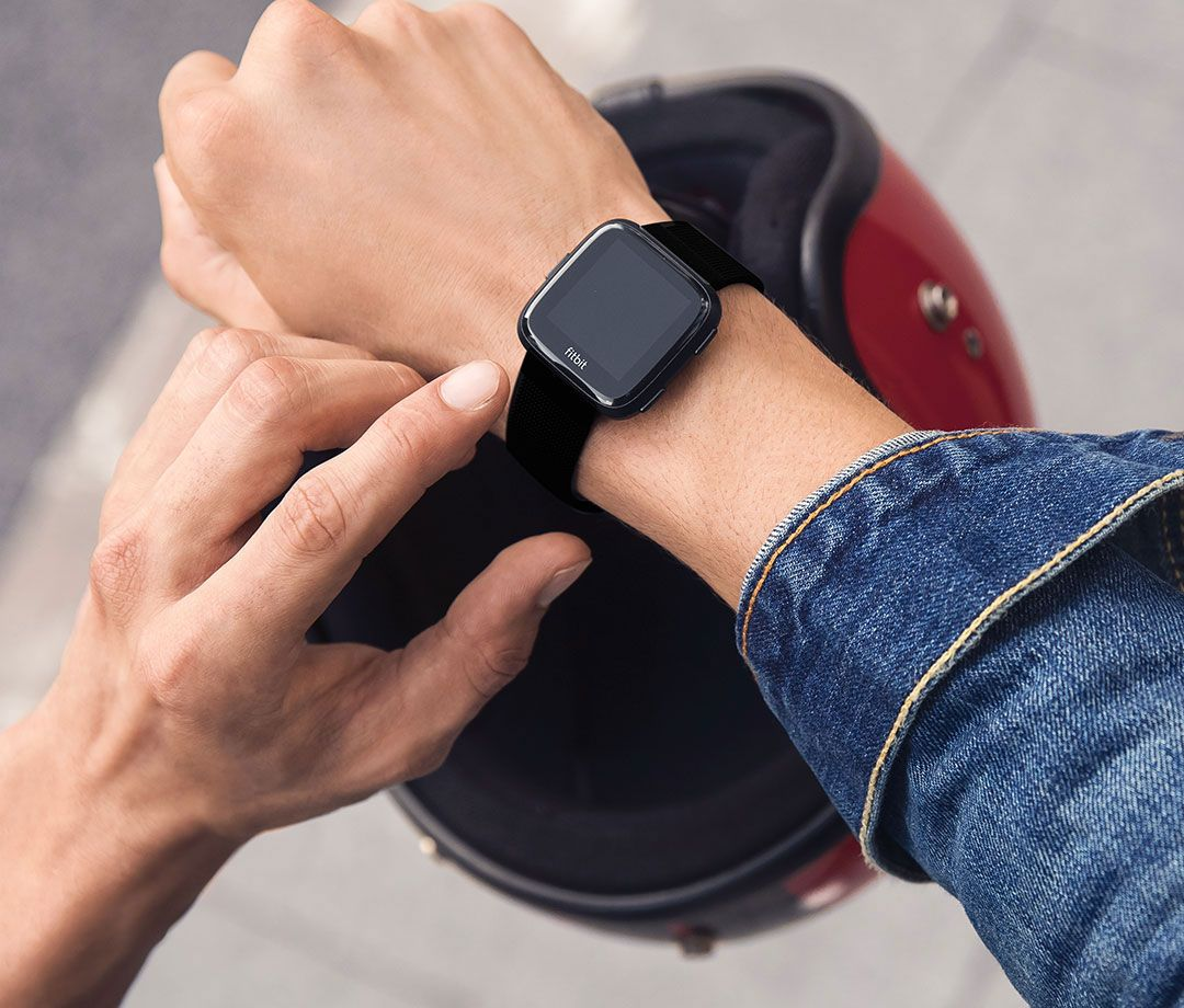 Fitbit Versa Black Amp Black Aluminum Smartwatch Fb504gmbk