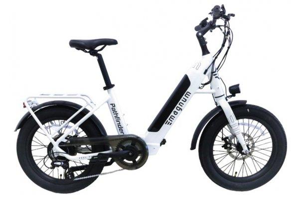 Large image of Magnum White Pathfinder 500W Electric Bike - PATHFINDER-WHT-500W