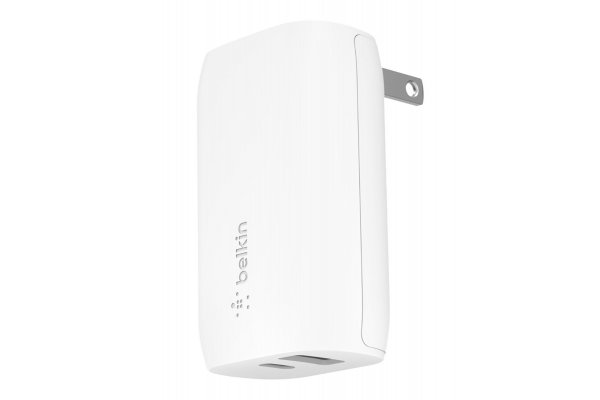 Large image of Belkin BOOST CHARGE 32W USB-C PD + USB-A Wall Charger - WCB004DQWH