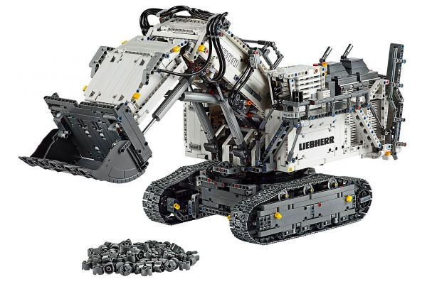 LEGO Technic Liebherr R 9800 Excavator - 42100