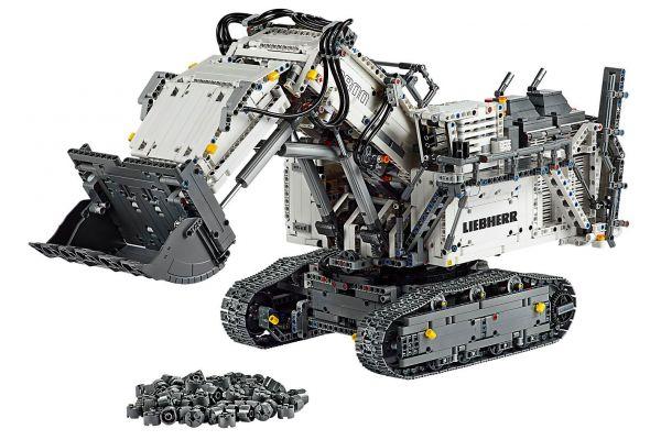 Large image of LEGO Technic Liebherr R 9800 Excavator - 42100