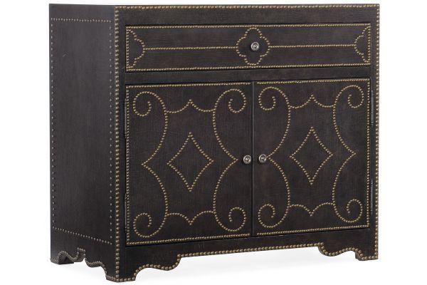 Large image of Hooker Furniture Bedroom Woodlands Bachelors Chest - 5820-90117-89