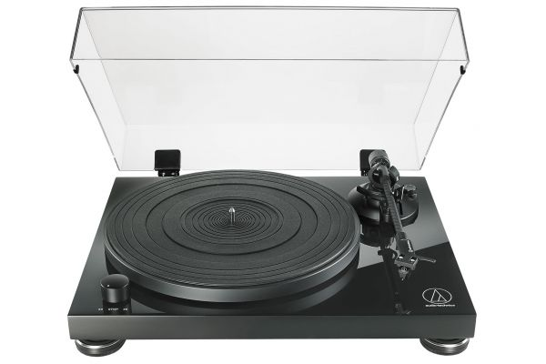 Large image of Audio-Technica Black Fully Manual Belt-Drive Turntable - ATLPW50PB