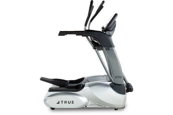 Large image of TRUE ES700 Elliptical Trainer With Emerge LED Console - ES700E