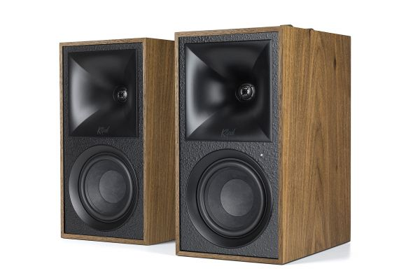 Large image of Klipsch The Fives Walnut Powered Bookshelf Speaker System (Pair) - 1067562