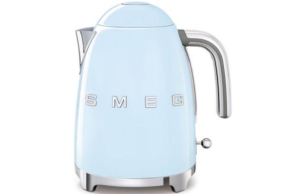 Large image of Smeg 50's Retro Style Pastel Blue Electric Kettle - KLF03PBUS