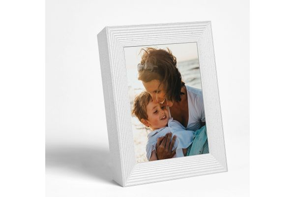 Large image of Aura White Digital Picture Frame - MASON-WQ