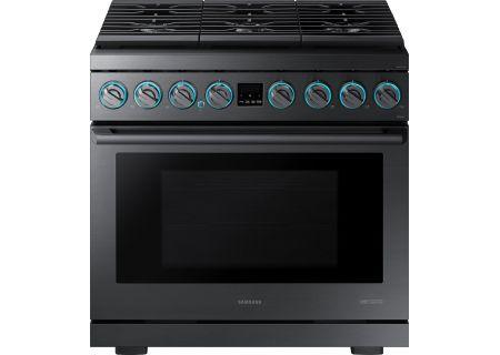 "Samsung Chef Collection 36"" Fingerprint Resistant Matte Black Stainless Steel Gas Professional Range - NX36R9966PM"