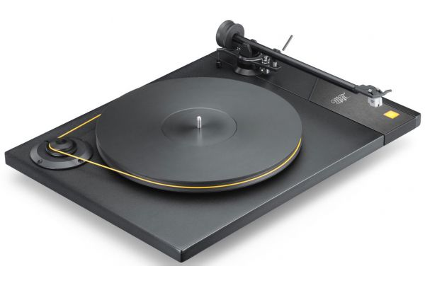 Large image of MoFi Mobile Fidelity Black Turntable - STUDIODECK