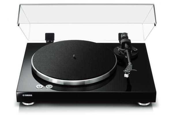 Large image of Yamaha TT-S303BL Black Turntable - TT-S303BL