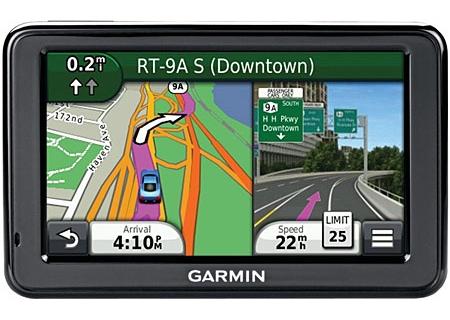 Garmin - 010-01001-29 - Portable GPS Navigation