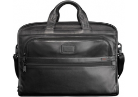 Tumi - 96111 - Business Cases