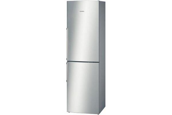 "Large image of Bosch 500 Series 24"" Stainless Steel Counter-Depth Bottom-Freezer Refrigerator - B11CB50SSS"