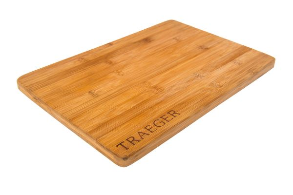 Large image of Traeger Magnetic Bamboo Cutting Board - BAC406