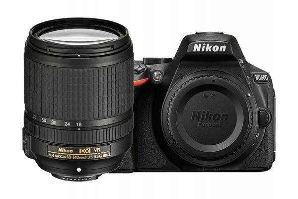 Large image of Nikon D5600 Black Digital SLR Camera 18-140mm VR Lens Kit - 1577