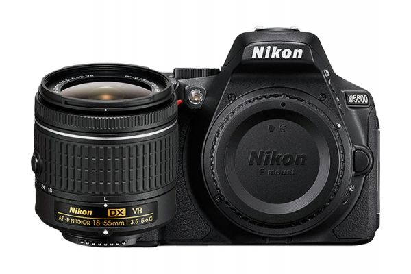 Large image of Nikon D5600 Black Digital SLR Camera 18-55mm VR Lens Kit - 1576