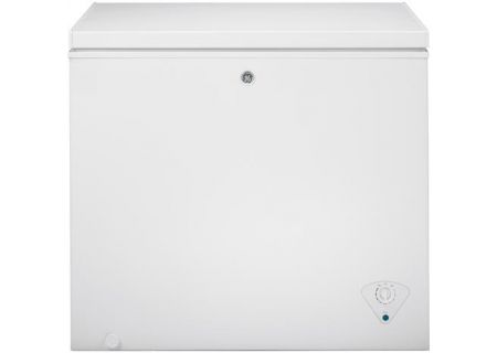 GE 7 Cu. Ft. White Chest Freezer - FCM7SKWW