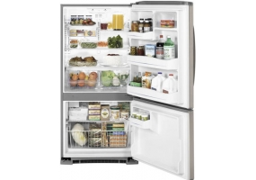 GE - GBSL3HCXLLS - Bottom Freezer Refrigerators
