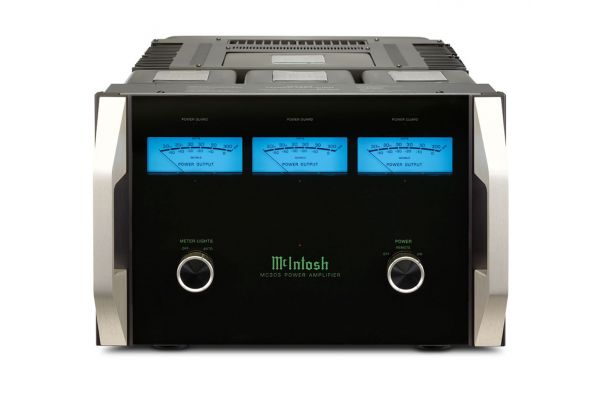 Large image of McIntosh Black 3-Channel Power Amplifier - MC303