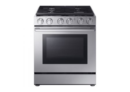 Samsung 5.8 Cu. Ft. Chef Collection Stainless Steel Gas Pro Range - NX58M9960PS