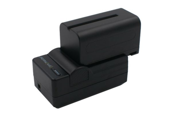 Large image of ProMaster Sony NP-F770 Battery And Charger Kit - PRO5206