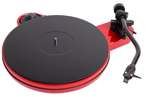 Large image of Pro-Ject RPM 3 Carbon Red Turntable  - RPM3CARBONRED