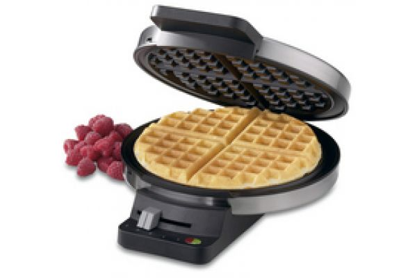 Large image of Cuisinart Round Classic Waffle Maker - WMRCA
