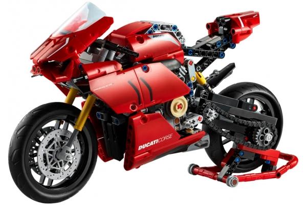 Large image of LEGO Technic Ducati Panigale V4 R - 42107