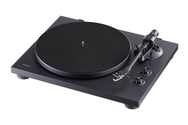 Large image of Teac Black 2-Speed Analog Turntable w/ Phono EQ & Bluetooth - TN280BT-A3BK