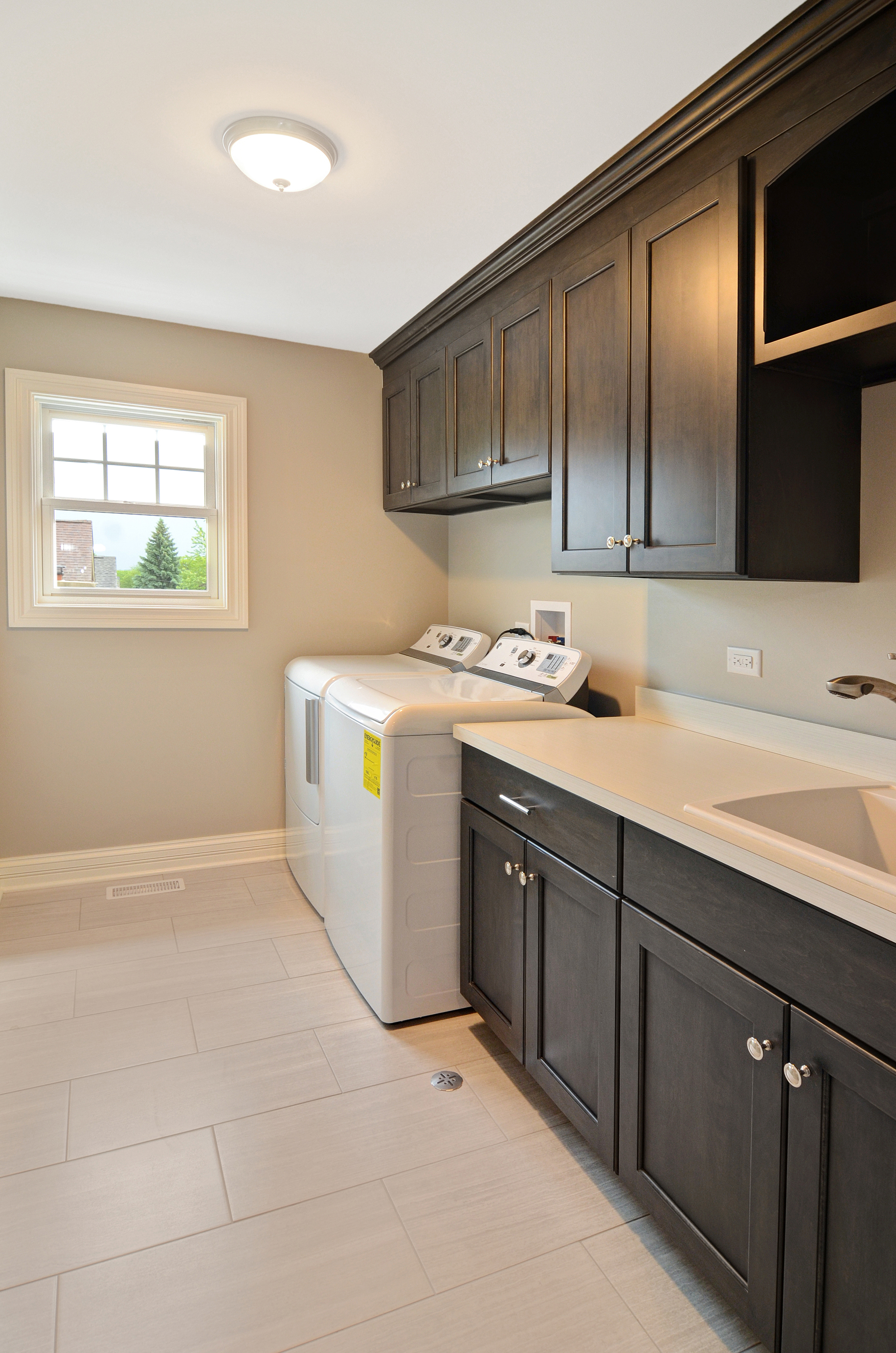 Rite-Way Laundry Room