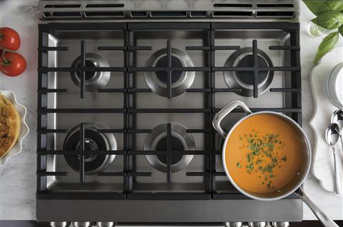 GE Café - EDGE-TO-EDGE SIX BURNER COOKTOP